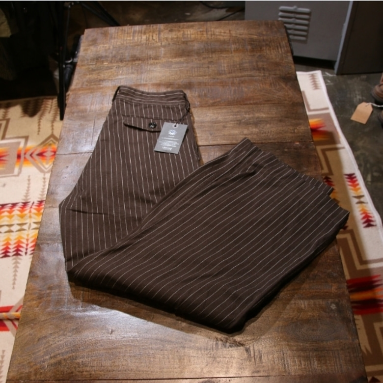 black sign stripe pants