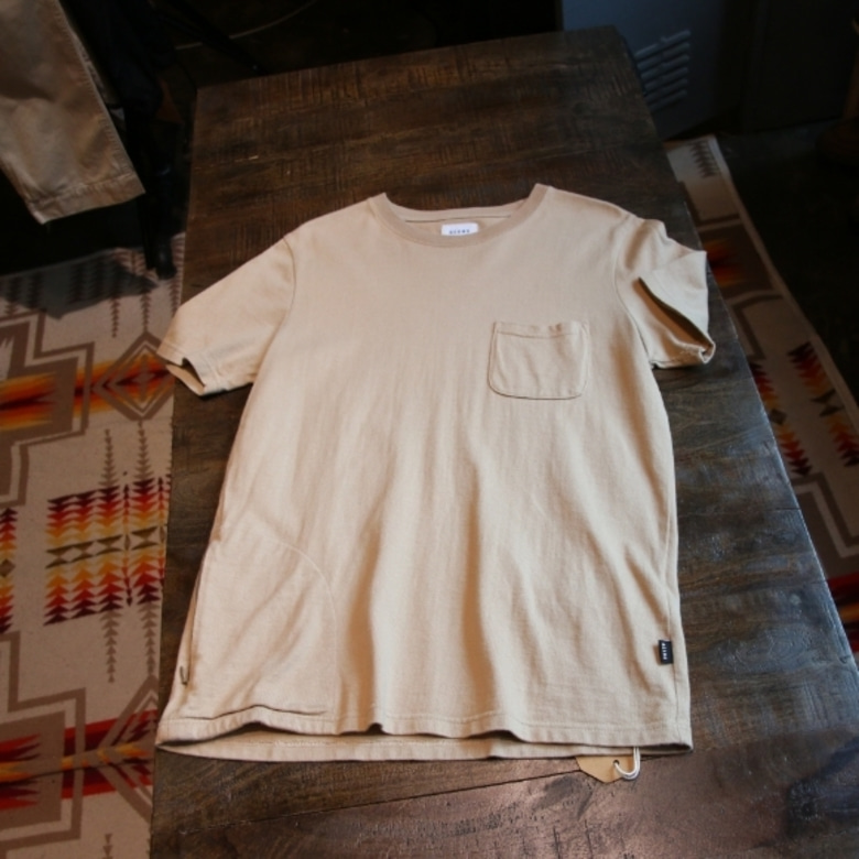 beams pocket tee