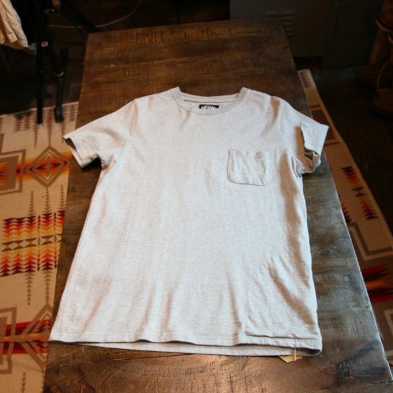 beams grey pocket tee