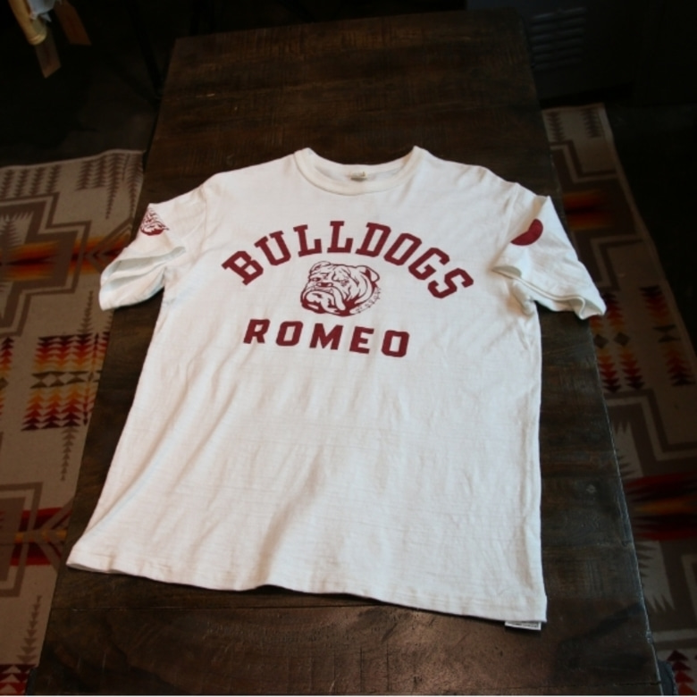warehouse bull dogs tee