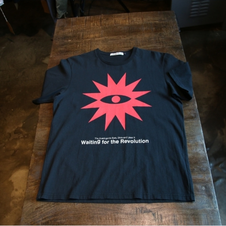 undercover Waiting For The Revolution Eye tee