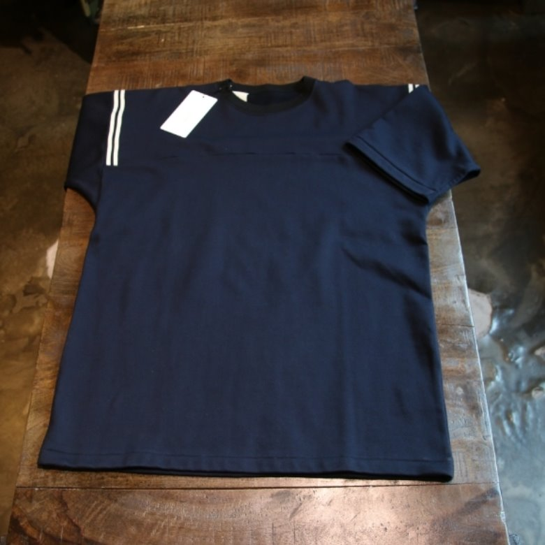 n.hollywood navy tee
