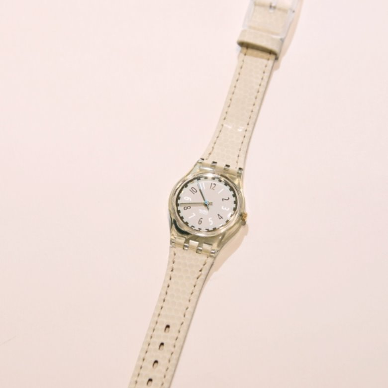 1993 ladies leather swatch watch